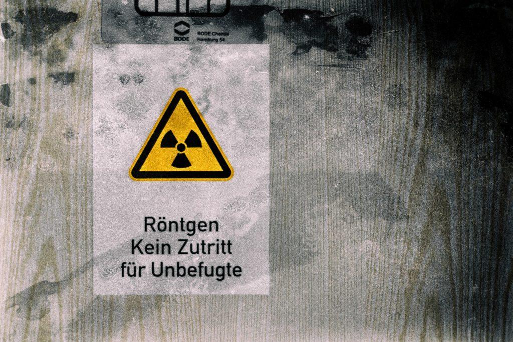 logo radioactif